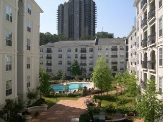Rare 3BR in Buckhead! Across from Lenox & Phipps, Atlanta