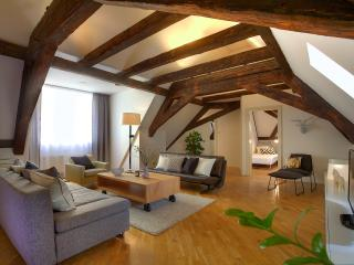 Old Town Attic Apartment, Praga