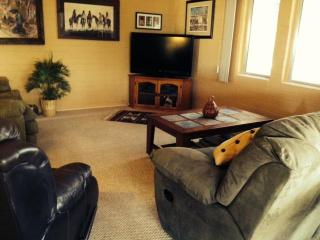 Lovely, Fully Furnished 2 Bdrm, Central Location