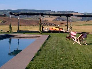Holiday House with a spectacular pool overlooking the boundless valley, Castiglione D'Orcia