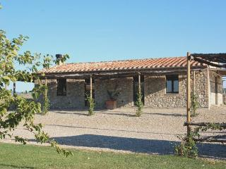 Green House - Apartment with Swimming Pool in Val d'Orcia, Castiglione D'Orcia