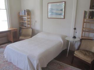 118 East Court Street Guest Room, Ithaca