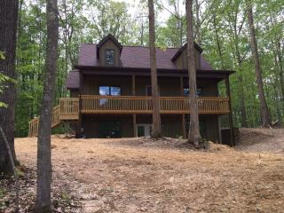 3 Bedroom Vacation Home near the New River Gorge, Fayetteville