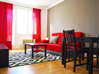 Sunny Apartment in Berlin Center, Berlín