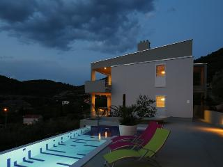Seaview villa with pool for rent, Vis, Vis island