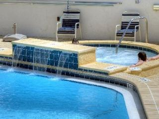 "Stay at ""Pineapple Paradise"" for Spring Break.  2-bedroom condo; Beach Front!, Sandestin"