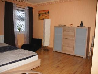 Limburg central, fully-furnished, 3R, 6 sleeps,