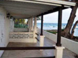AdelCrombie Beach House Apartments, Barbados