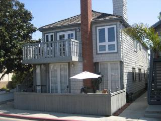 602 A Clubhouse- 2 Bedrooms 2 Baths, Newport Beach