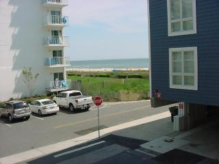 Lovely Condo - Ocean View - Steps to the Ocean, Ocean City