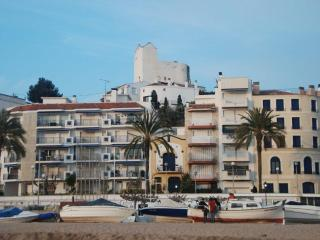 Sea front apartment near Barcelona, stunning views