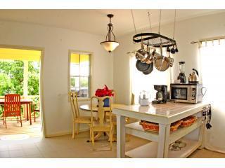 Sala de jantar, 1-BR Cottage.JPG