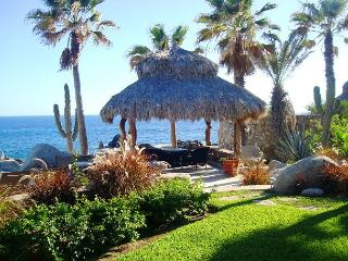 Oceanfront Villa in Punta Ballena 4 Bedroom/4.5 Bath Private Pool/Jacuzzi