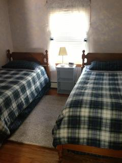 Bedroom # 2 (2 twin beds)