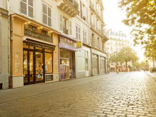 Cute Studio in Hip Canal St Martin Area, Free WiFi, Paris