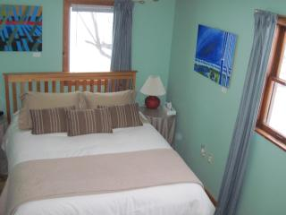 Energy Room, Artha Bed and Breakfast, Amherst