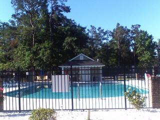 Myrtle Beach Condo by Golf Course, with a Hot Tub and Pool