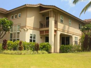 Colony Villas, huge 2 story, 3bed/2.5 bath, sleeps 8, close to pool, Waikoloa