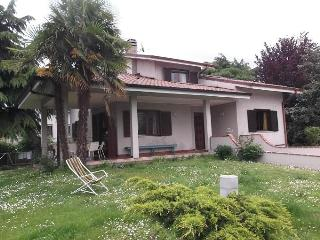 Villa with garden in a quiet and central area, Corsico