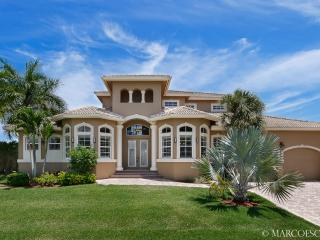 CASA DEL MAR - New 5 Bedroom Island Estate Near Tigertail Beach!!, Marco Island