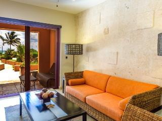 El Faro Coral 105 Resort-Style Condo Rental, Playa del Carmen