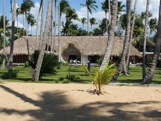 Grande villa de luxe les pieds dans l'eau à Las Terrenas - playa Coson, Constanza