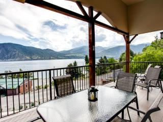 Manson Condo w/Mtn Views-1 Block from Lake Chelan!