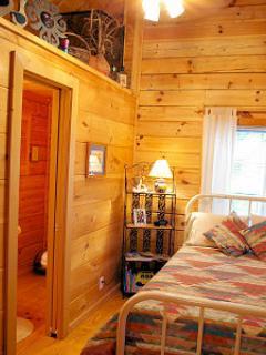 Second bedroom/full bed bath room