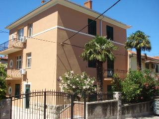 Split center,apartment  in villa