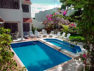 Private villa. Tropical paradise, 2 level pool, Cozumel