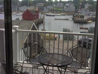The Mariner - Authentic Rockport Experience