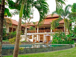 Villa PurSang, Luxury villa with rice paddy view, Pererenan