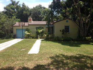 Charming Home in Bird Sanctuary-  Miami, North Miami