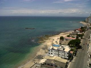 Huge balcony - 2 Bed/3 Bath - across from beach