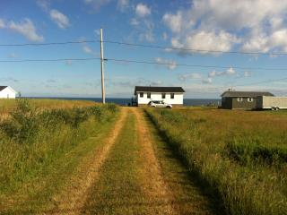 COTTAGE ON CHALEUR BAY IN NEW BRUNSWICK, Salmon Beach