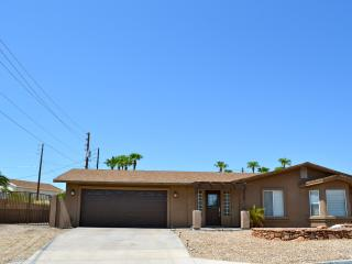 Remodeled 3 bedroom with Boat/ RV Parking, Lake Havasu City