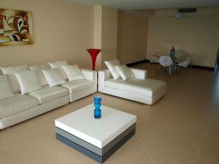 Breathtaking Oceanfront Condo  Cancun Hotel Zone