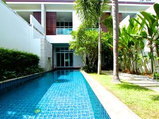 Bang Tao 3 bedroom pool villa near the beach, Phuket