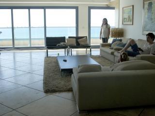 3 Bedrooms, Sea View, SEA AND SUN, Tel Aviv