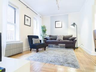 prime upper east! Large 2Br Sleeps 5