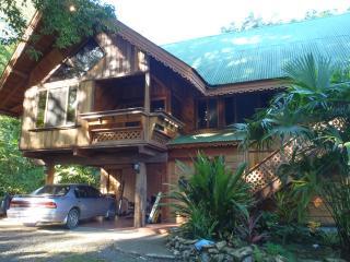 Casa Tranquilo-hermosa casa de madera jungla ajuste, Cahuita