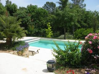 Comfy country retreat, 2 Rooms for 2-3 persons, Swimming pool