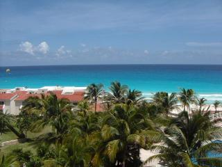 Upgraded Ocean View Studio In  Hotel Zone, Cancun