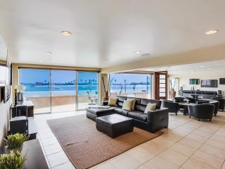 2 WATERFRONT Homes 6br+5.5ba in Mission Beach!!!