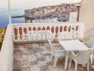 Apartment with beautiful view in Dubrovnik A2