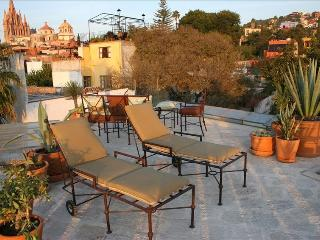 Panoramic 4th Floor Views with Upscale Living in El Centro, San Miguel de Allende