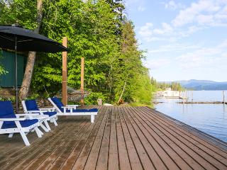Lakeside Loft | 15 minutes to downtown by boat!, Harrison