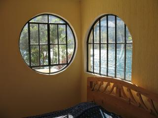 3 Bed, Lake-Front, San Marcos, private home