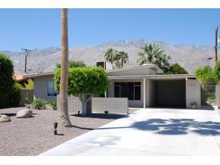 Located in the Movie Colony East - Ruth Hardy Park in Central Palm Springs!