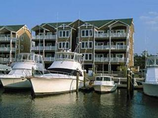 Cozy 3BR w/fireplace, wet bar - Shallowbag Bay Club #702, Manteo